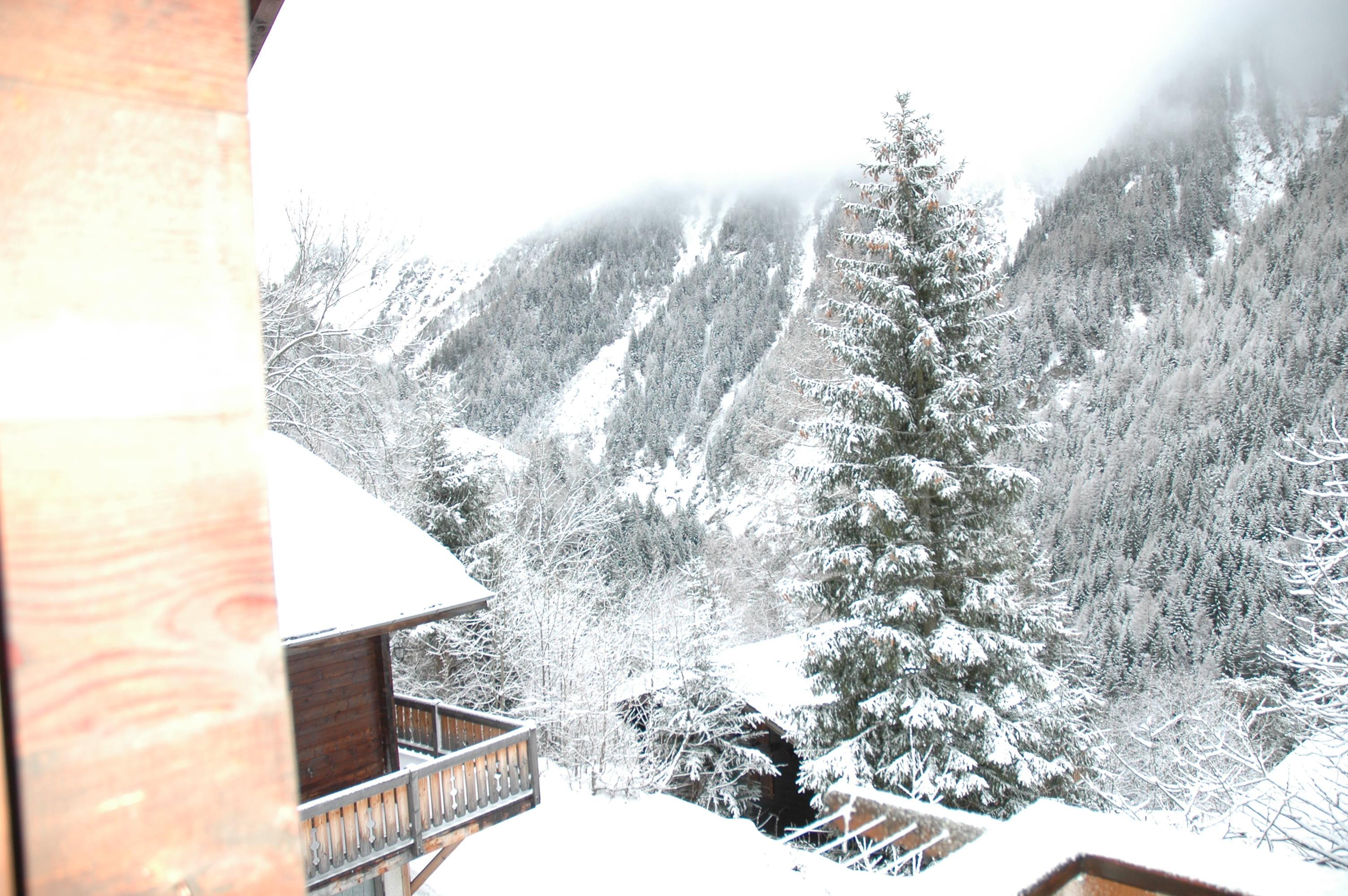 sneeuw rond Lumerli 2012